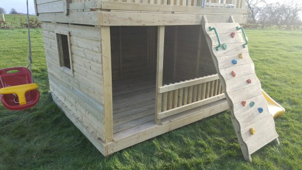 Otters Cottage Deluxe With Heavy Duty Nest Swing Just